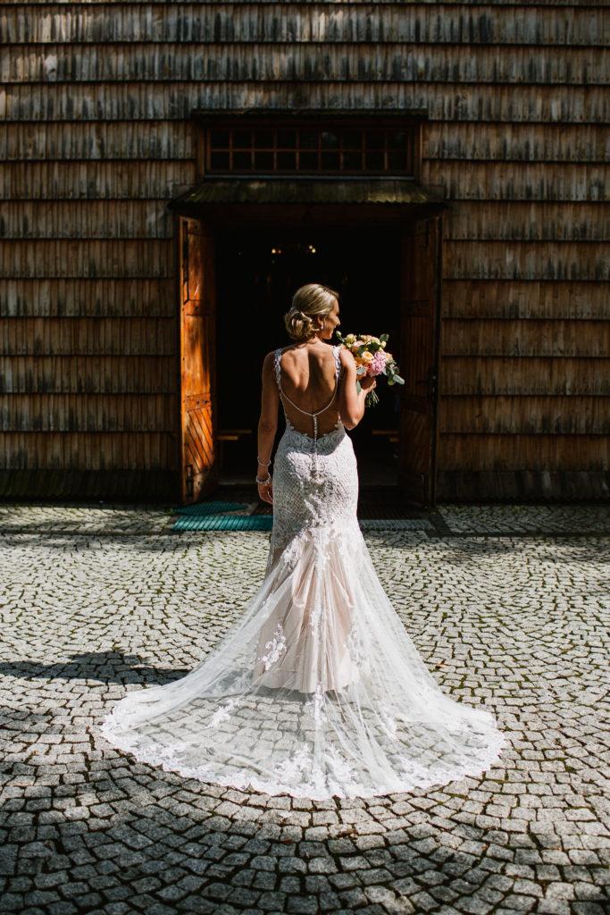 mielec kościół pani młoda tren suknia ślubna