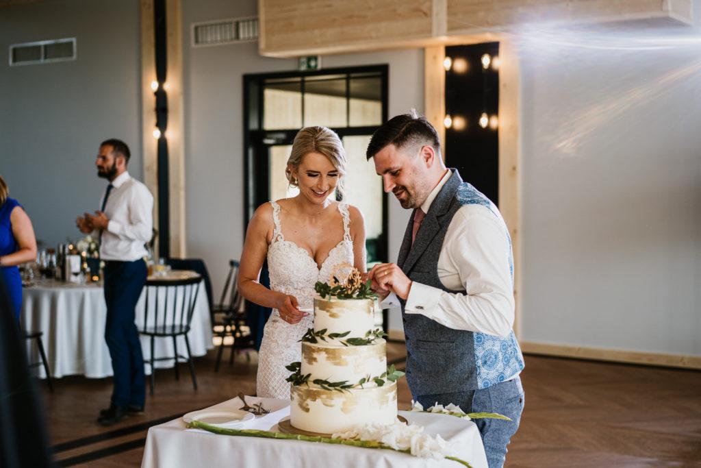 tort ślubny stylowy
