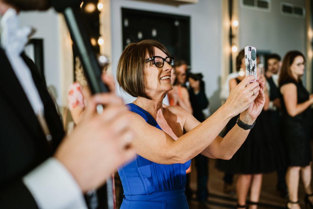 telefony na weselu