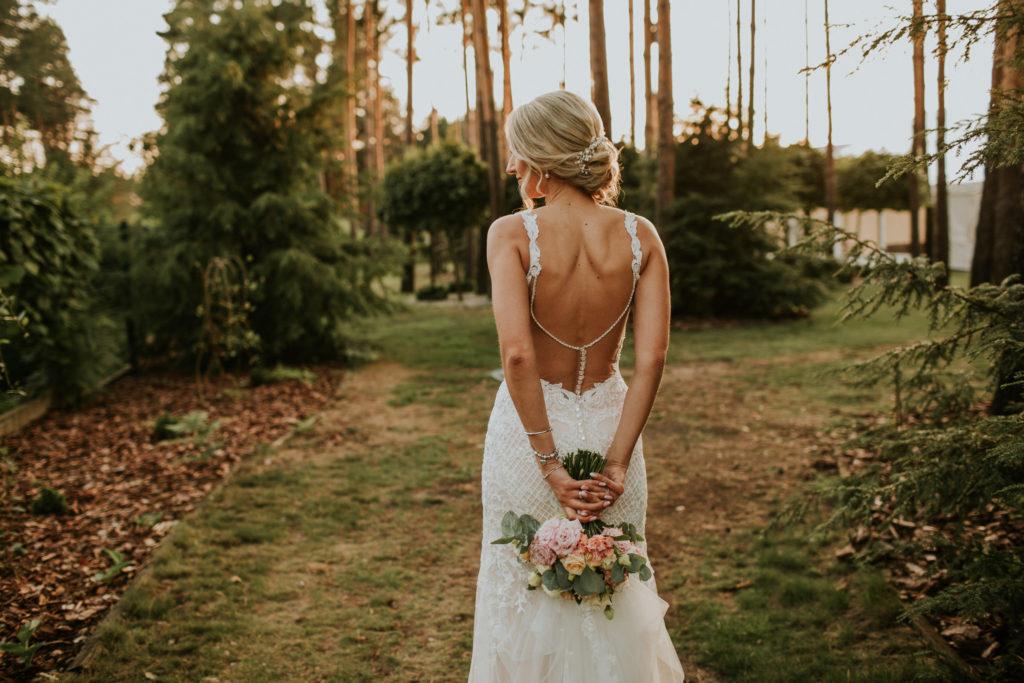 kwiaty bukiet pener w dniu ślubu
