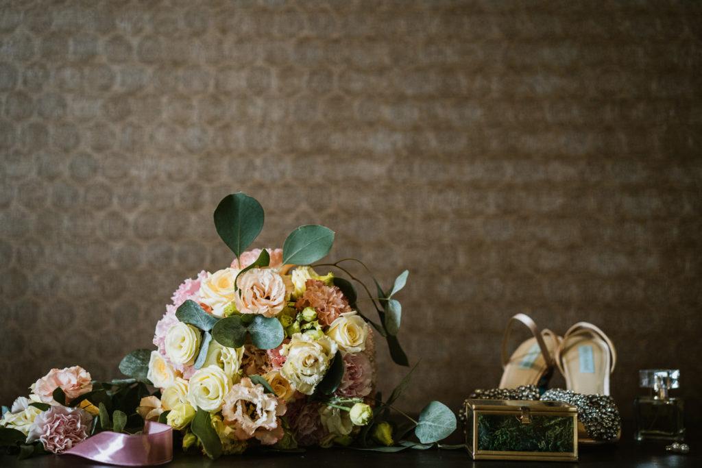 detale ślubne bukiet kwiaty obrączki