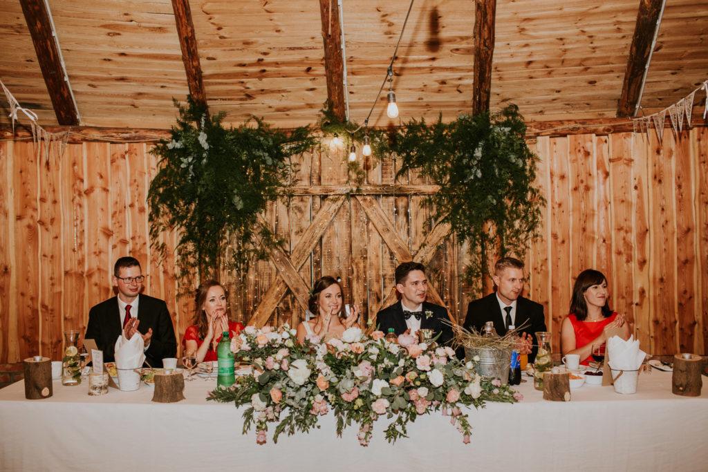 rustykalne ozdoby wesele zieleń