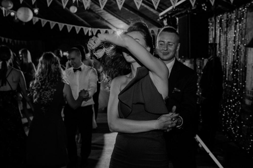 taniec sukienka dj