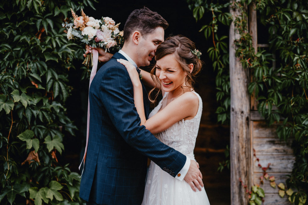 pani młoda pan młody kwiaty do ślubu