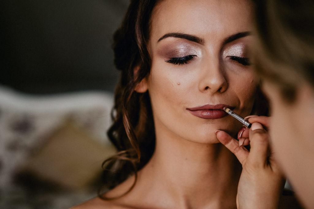 szminka pomadka do ślubu makijaż zator